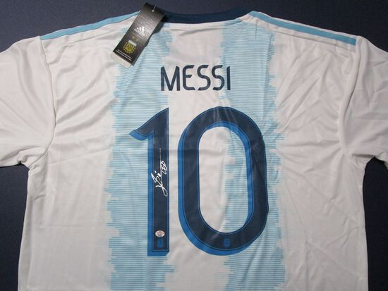 Leo Messie Soccer Superstar signed autographed soccer jersey PAAS COA 496