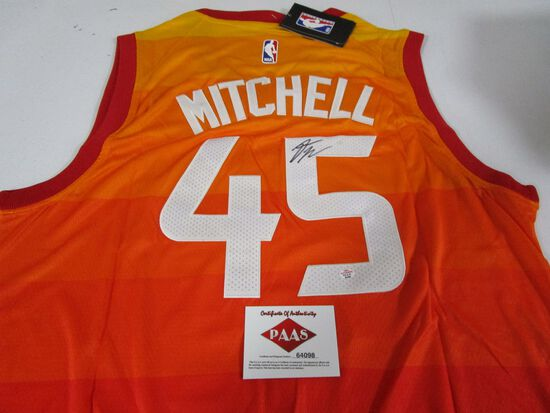 Donovan Mitchell of the Utah Jazz signed autographed basketball jersey PAAS COA 098