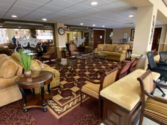 Huntington Pointe - Furniture