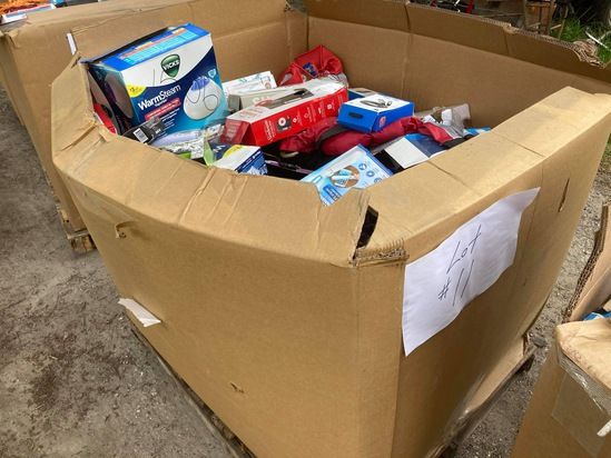 Wholesale Mixed lot of 225-250 quality liquidated products from major drug store chains, big box sto