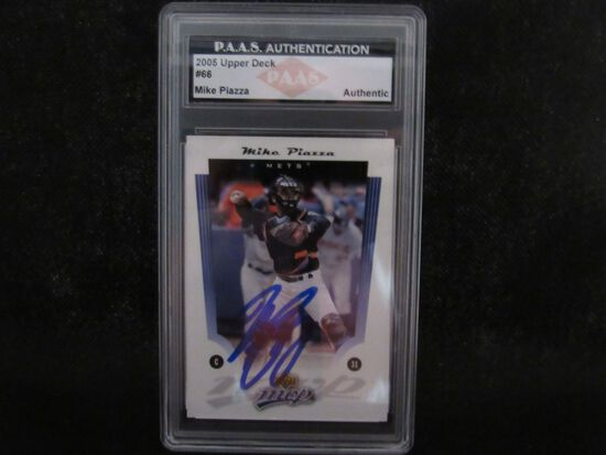 Mike Piazza NY Mets signed autographed 2005 Upper Deck #205 PAAS Authentic slabbed