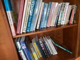 Lot Collectable Books on Antiques and Collectables
