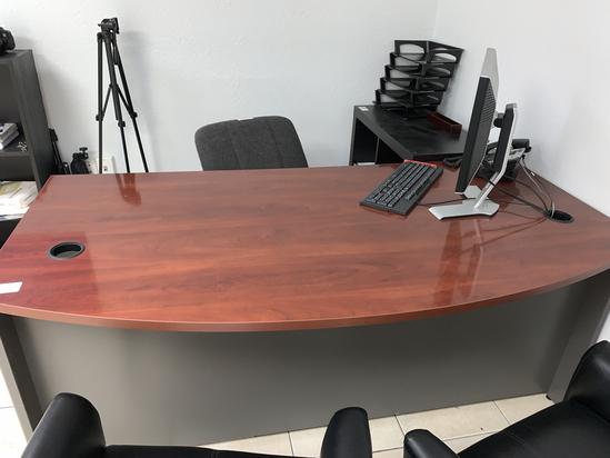 """Executive Desk. 36"""" X 72"""""""