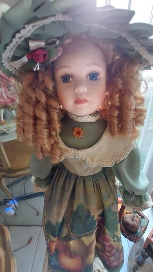 "24"" Porcelain Doll"