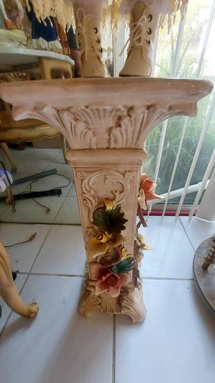 """23"""" Ornate Flowered Pedestal"""