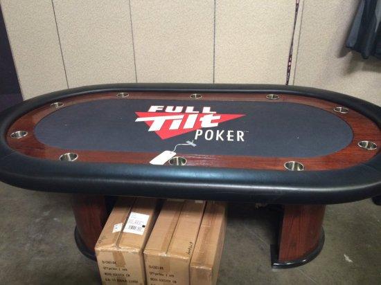 FTP Poker Table