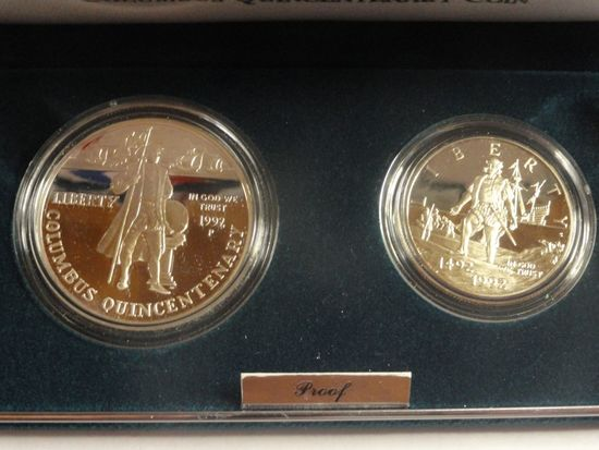1992 U.S. MINT THE COLUMBUS QUINCENTENARY TWO-COIN PROOF SET. 90% SILVER DOLLAR, CLAD HALF