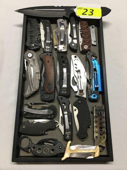 17 FOLDING KNIVES