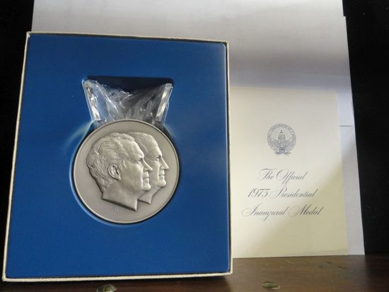THE OFFICIAL 1973 PRESIDENTIAL INAUGURAL MEDAL, 3.62 OZ STERLING SILVER IN PRESENTATION BOX