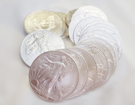 20 UNCIRCULATED 2015 AMERICAN EAGLE 1 TOZ .999 SILVER COINS