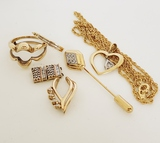 6 PIECES GOLD SCRAP JEWELRY:
