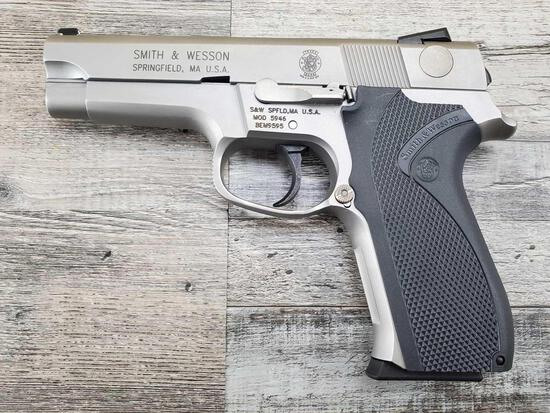SMITH & WESSON MODEL 5946
