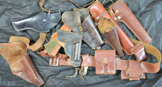 BOX LOT OF MISC LEATHER GOODS