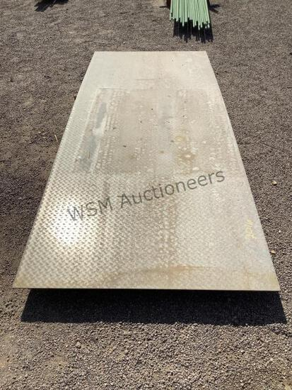 4FT X 10FT SHEET OF STAINLESS STEEL DIAMOND PLATE