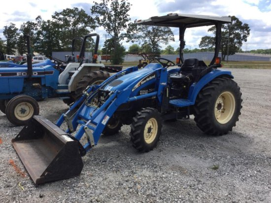 NEW HOLLAND TC45 BOOMERW/ NH 1    Auctions Online | Proxibid