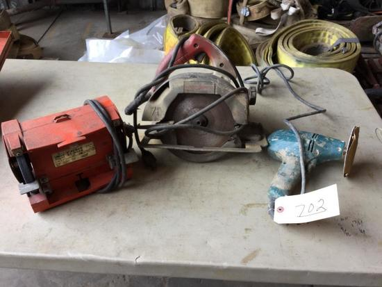 (GROUP) MAKITA SANDER, BENCH GRINDER, MILWAUKEE 7 1/4 IN CIRCULAR SAW (WORKING CONDITION