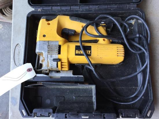 DEWALT VARIABLE SPEED JIG SAW (WORKING CONDITION)