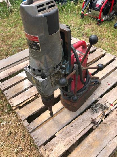 MILWAUKEE MAGNETIC DRILL #4234 R1