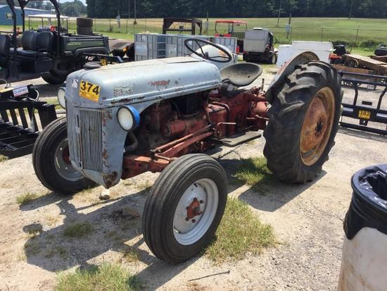8N FORD TRACTOR (3pt) R2