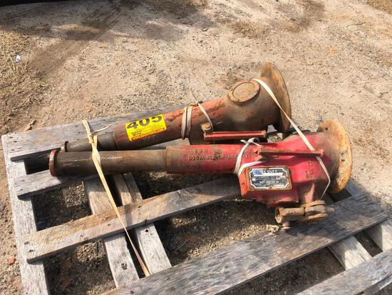 (2) 35 TON HYDRAULIC JACKS
