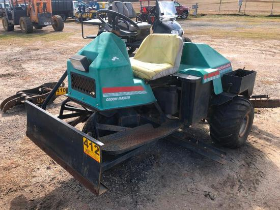 CUSHMAN GROOM MASTER **NEEDS STARTER OR BATTERY