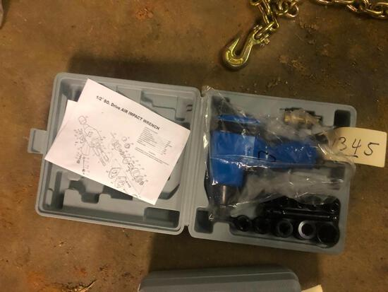 """1/2"""" IMPACT WRENCH KIT **SELLING ABSOLUTE**"""