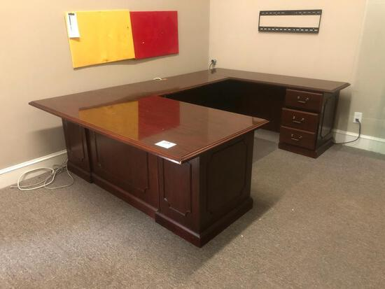 "3 PC U SHAPED DESK (106""72"" WORKING SPACE, (7)"