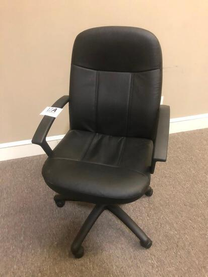 OFFICE CHAIR (ROLLING, RIGHT ROOM)