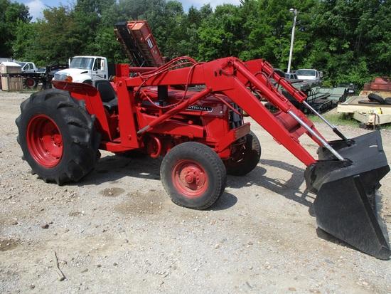 International 464 Farm Tractor
