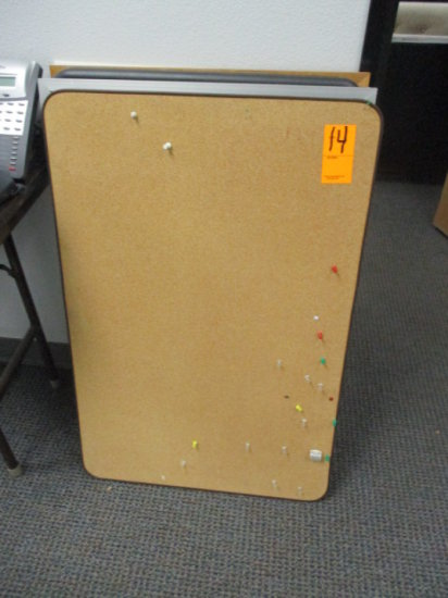 LOT OF ASSORTED CORK AND DRY ERASE BOARDS