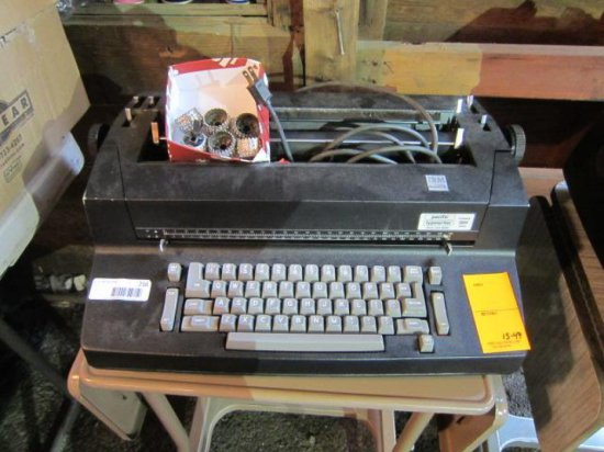 IBM SELECTRIC II TYPEWRITER W/EXTRA PARTS AND STAND