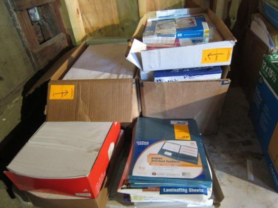 LOT W/ASSORTED SIZE COPY PAPER