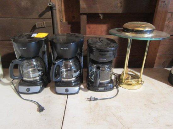 (3) COFFEE MAKERS & (1) BRASS DESK LAMP