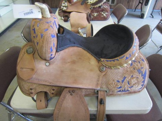 (1) BLACK & PURPLE WESTERN SADDLE
