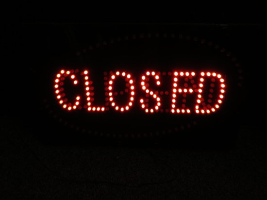 LIGHTED CLOSED/OPEN SIGN