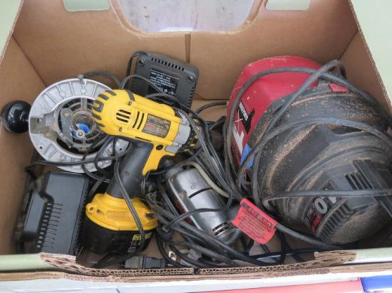 BOX W/ASSORTED POWER TOOLS INCLUDING: CRAFTSMAN ROUTER & DEWALT DC930 CORDLESS DRILL W/BATTERY