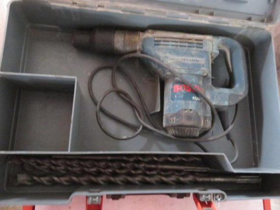 BOSCH 11240 ELECTRIC ROTARY HAMMER W/(4) DRILL BITS & CASE