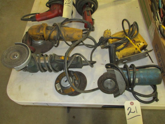 LOT OF 3 ASSORTED ANGLE GRINDERS AND 1 SABRE SAW
