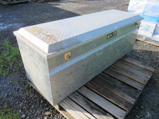 SEAL TITE ALUMINUM TRUCK TOOL BOX