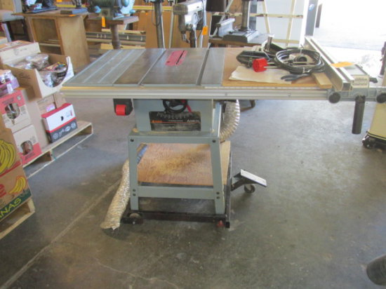 DELT 10'' CONTRACTORS TABLE SAW 1.5 HP MOUNTED ON SHOP CART