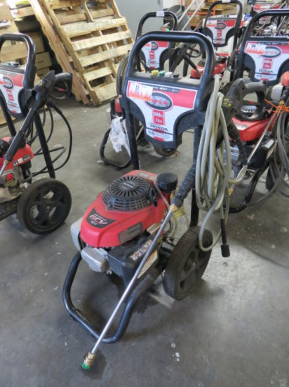 SIMPSON 3000 PSI GAS PRESSURE WASHER 2.4 GPM, HONDA GCV 190 POWER (OIL LEAK