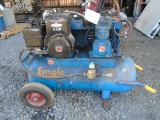 EMGLO GAS POWERED PORTABLE AIR COMPRESSOR W/B&S GAS ENGINE - RUNNING CONDITION UNKNOWN