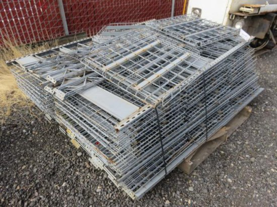 PALLET W/WIRE SHELVING PIECES