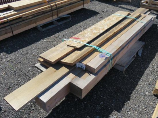 PALLET W/ASSORTED SIZE LUMBER
