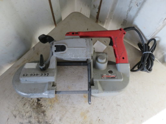 MILWAUKEE 120V PORTABLE BAND SAW