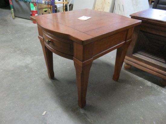 BROYHILL END TABLE W/SINGLE DRAWER MDL#K313002