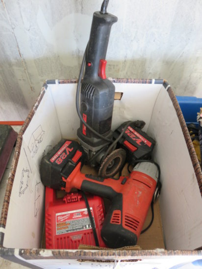 BOX W/ MILWAUKEE 1/2'' IMPACT WRENCH (2) BATTERIES & CHARGER