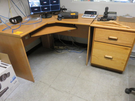 DESK W/ (2) WOOD CABINETS