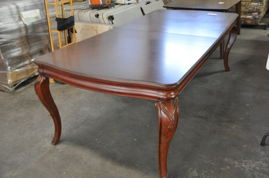 DINING TABLE W/2 LEAVES 8' X 44''