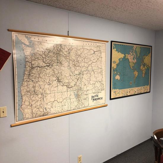 OREGON MAP AND WORLD MAP